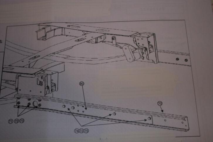 biete 1 satz alu matic st tze an neu der verk ufer ist f r dieses. Black Bedroom Furniture Sets. Home Design Ideas